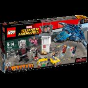 LEGO® Super Heroes 76051 - Einsatz am Flughafen